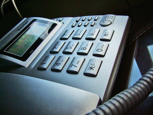 Allt färre använder fast telefoni